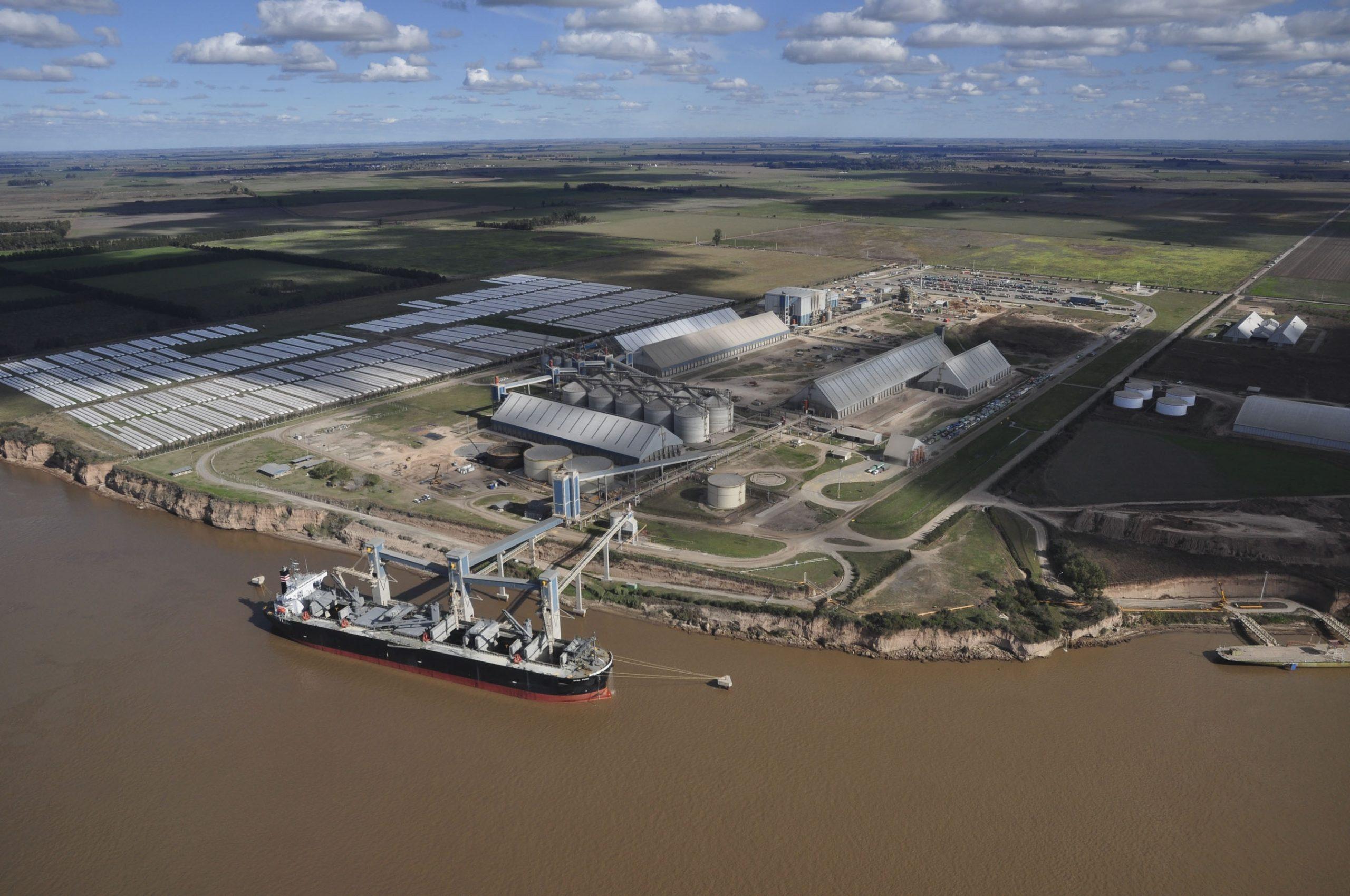 Comunicado: En plena cosecha de trigo y cebada la Argentina no puede darse el lujo de tener los puertos cerrados.